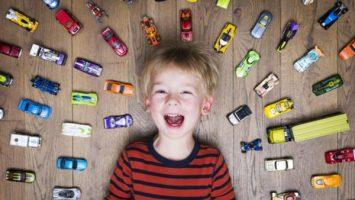 نقش بازی در رشد هوش کودکان تا پیش از یکسالگی
